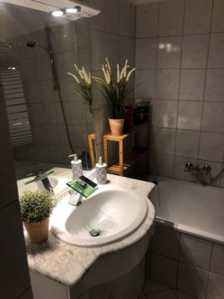 freies Zimmer in Wuppertal, Nähe HBF & Uni