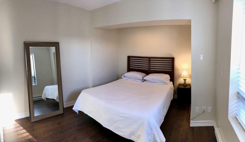 👑 Executive 1 Bedroom - Bloor West Village  👑