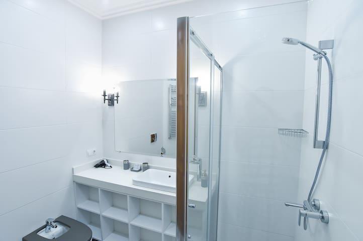 Bathroom N 1