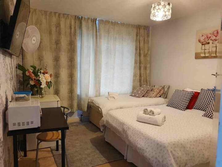 2- Double Room in Clifton