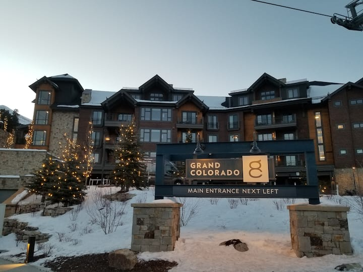 Resort suite,Ski in/out at Grand Colorado on Peak8