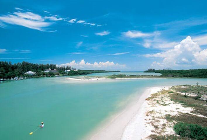 Florida sunny and peaceful villa