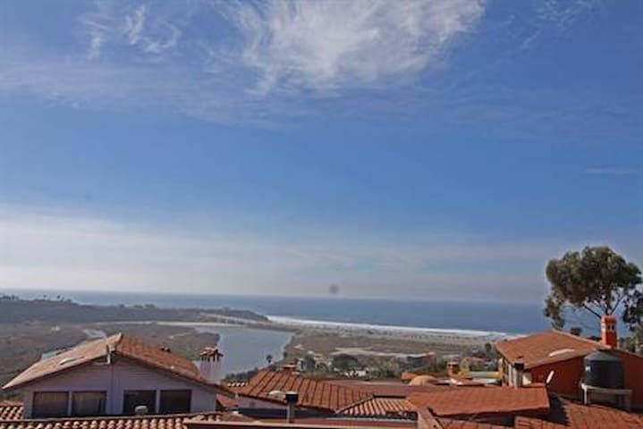 Amaizing views entire house - Rosarito - House