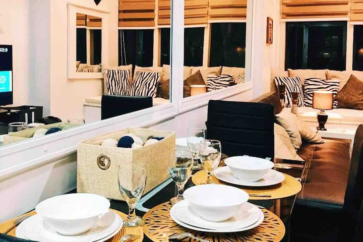 Eton Luxurious Loft/Condo in Ortigas Center