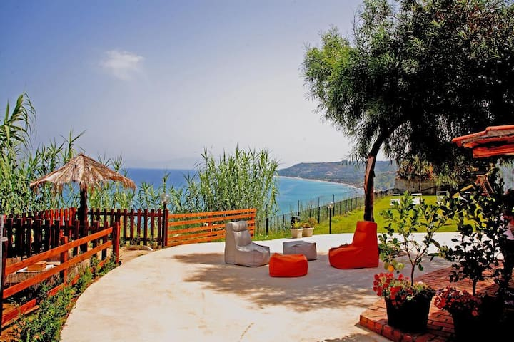 4) Appartamento panoramico vicino Tropea