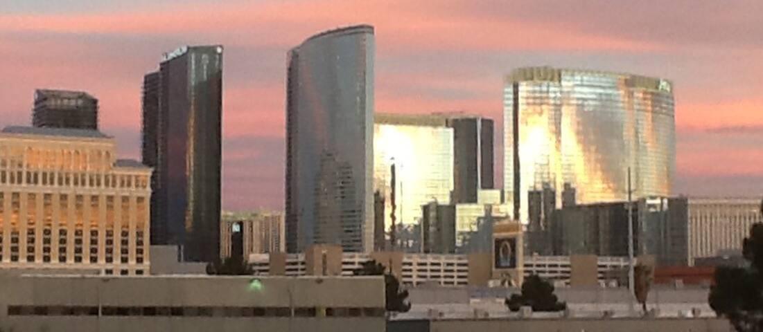 5*#1  Vegas Strip Resort King Room - Las Vegas - Bed & Breakfast