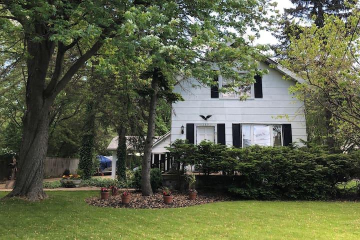 Residential home near UB & Daemen! (room 1 of 3)