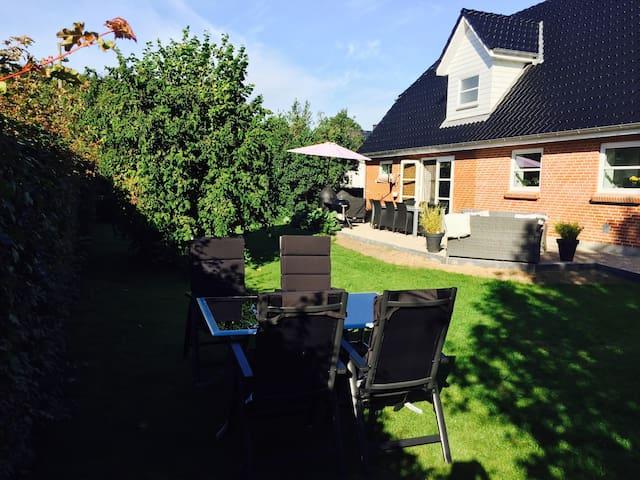 Lækkert hus i Sønderjylland! - Tinglev - Casa
