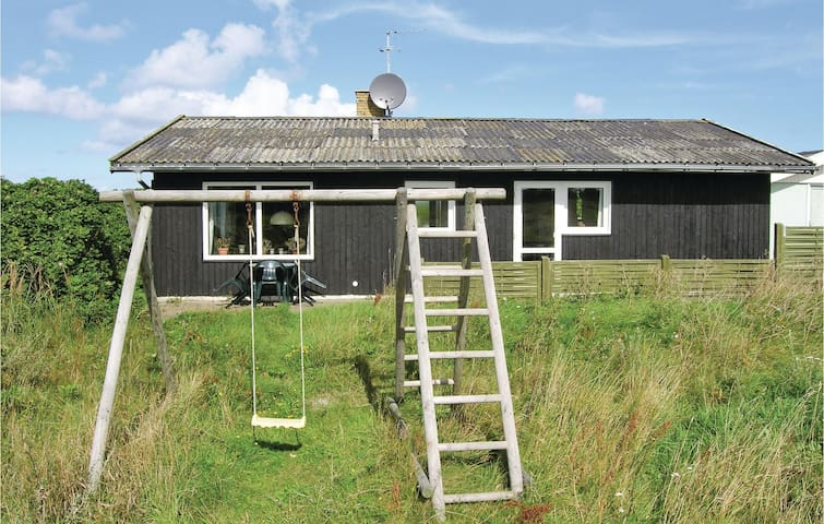 Holiday cottage with 3 bedrooms on 78 m² in Hirtshals
