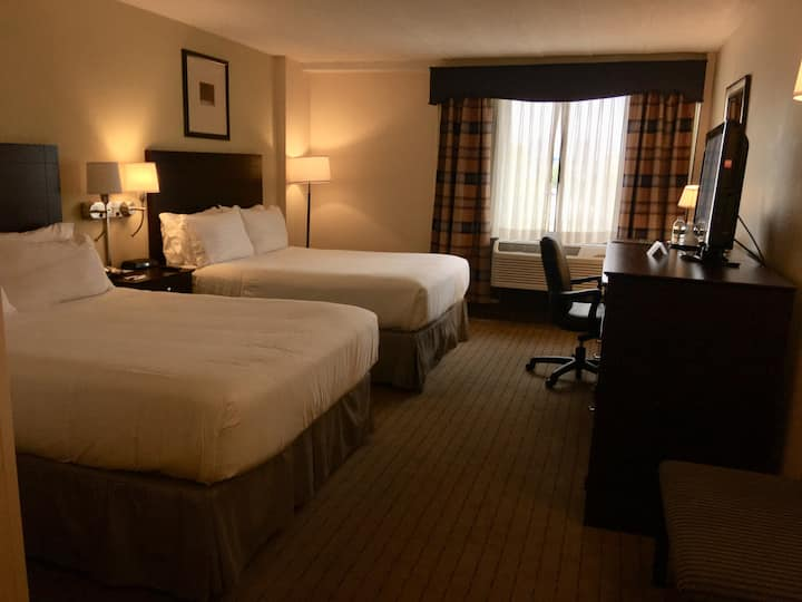 Room up to 5 guests with FREE Breakfast