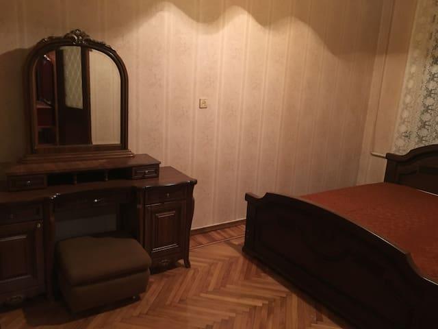 3-х комнатная квартира в центре - Sokhumi - Lägenhet