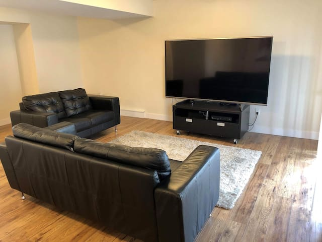 "80"" TV big private 1 bedroom suite"