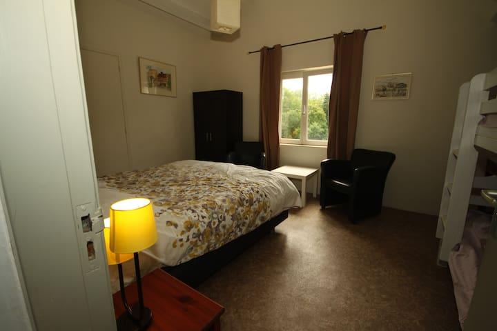 chambre d'hôtes Le-Parc - Méry-és-Bois - Bed & Breakfast