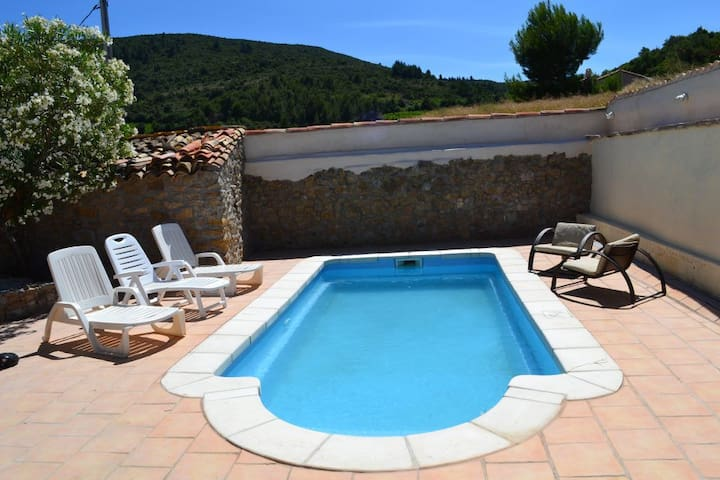 Charming village house with a pool - Embres-et-Castelmaure