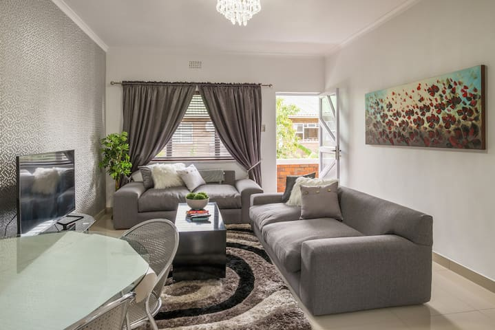 Room available at quiet  Flat in Kenilworth
