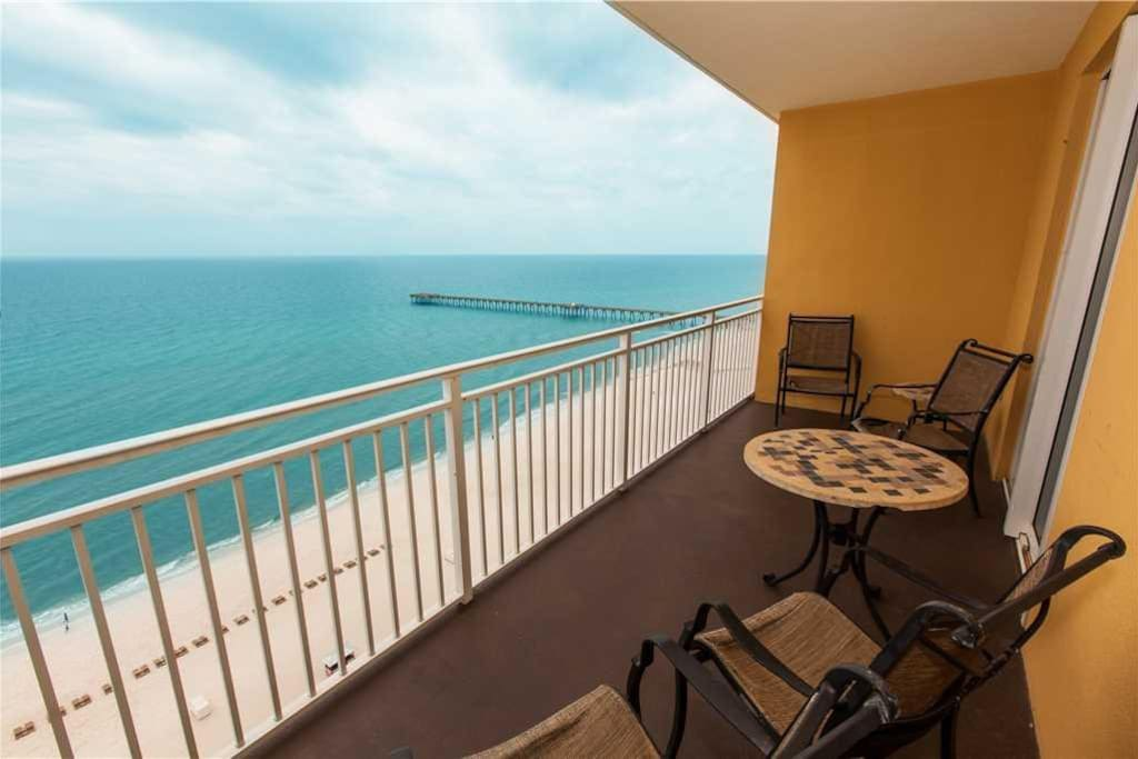 Sterling Reef 1402 2 Bedroom Condo With Amazing View Condominiums For Rent In Panama City