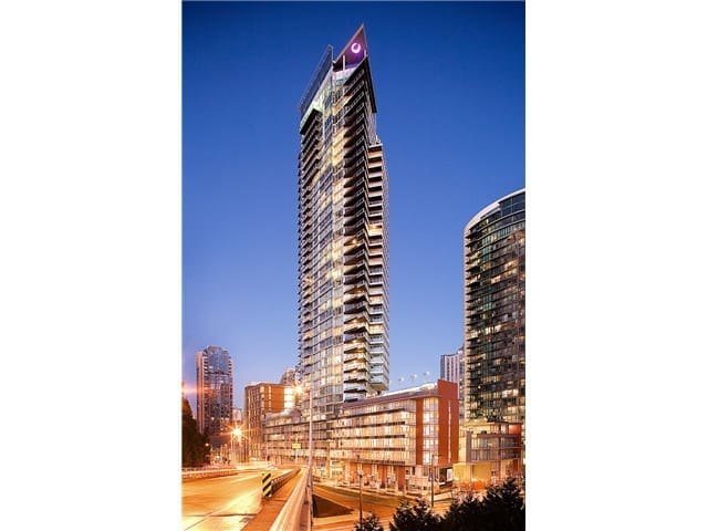 Modern one bedroom in Yaletown - Sleeps 4