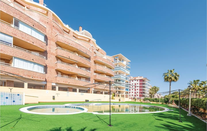 Amazing apartment in Oropesa del Mar with Outdoor swimming pool, Outdoor swimming pool and 2 Bedrooms