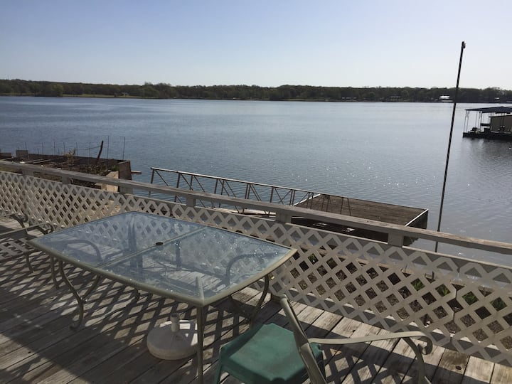 3BR2BA Waterfront Home w/ Dock & Charging Stations