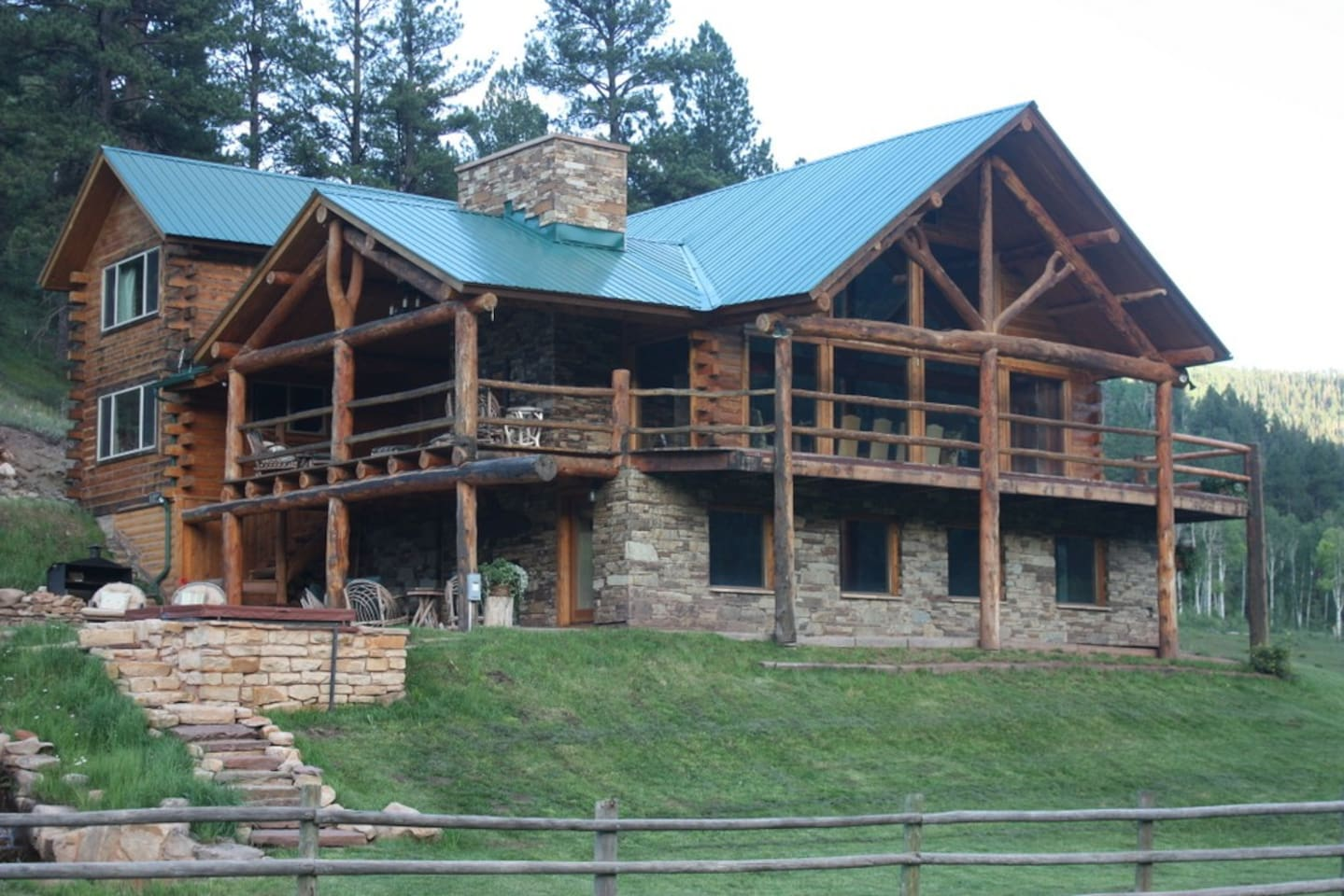 Impressive Fish Creek Lodge