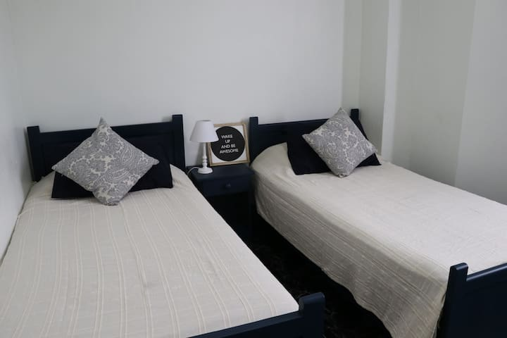 Room in heart of Port Louis City with air con - Port Louis - Lakás