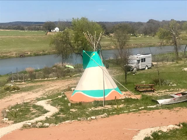 Pedernales River Tipi-Camp with a touch of glamp