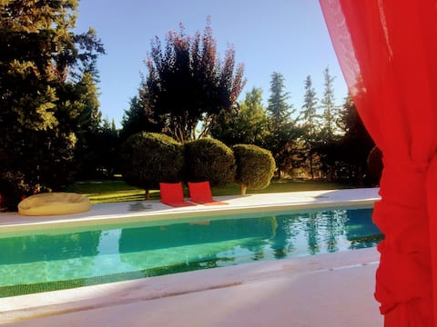 Et landsted - The Pool House - B & B