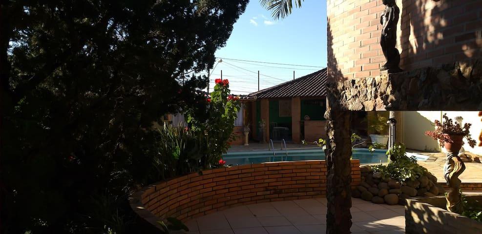 Luxor jk com piscina kiosque  privativo.