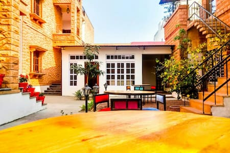 URBAN NEST -Cozy,Green,Peaceful Stay@CityCentre