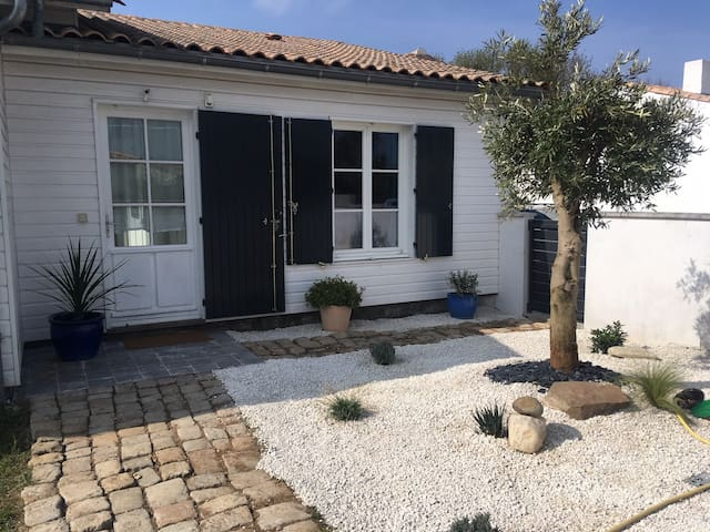 Maison calme, proche de La Rochelle et ses plages