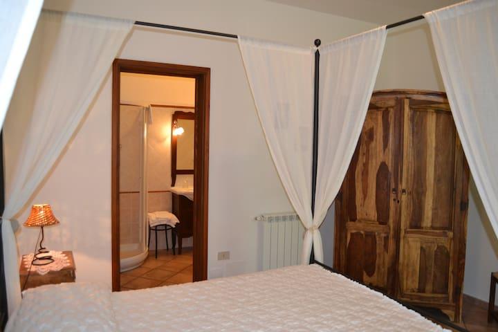 RomanticRoom B&B SabaudiaCirceo Sea - Sabaudia - Bed & Breakfast