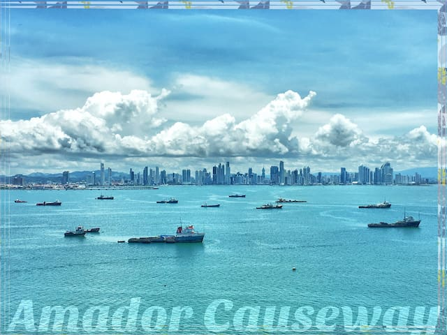 Stunning Views of Water & the Panama City Skyline