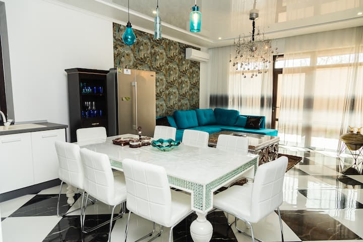Luxury Villa de Odessa