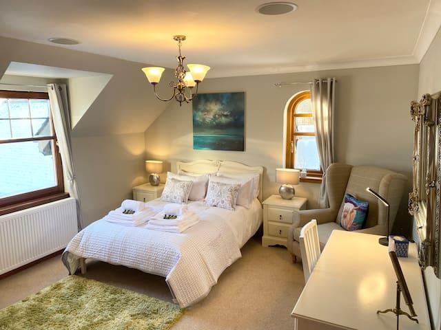 Room 1 (Macdonald)