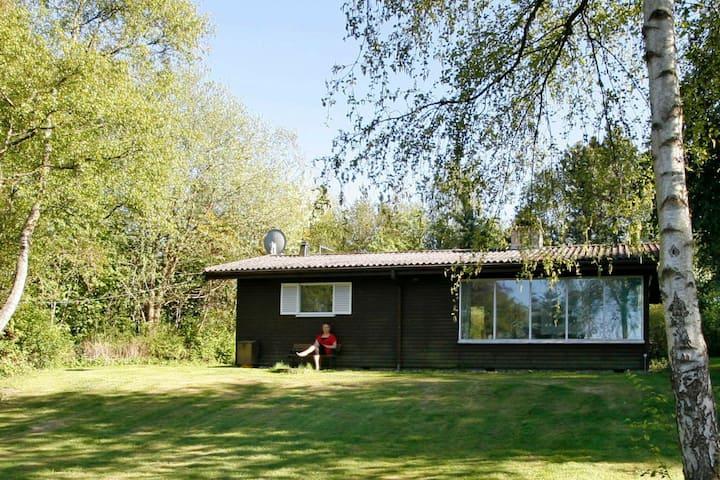 Gemütliches Cottage in Gilleleje mit Terrasse