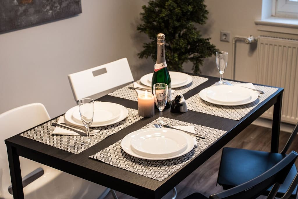 kassel city helle wohnung in der innenstadt flats for rent in kassel hessen germany. Black Bedroom Furniture Sets. Home Design Ideas
