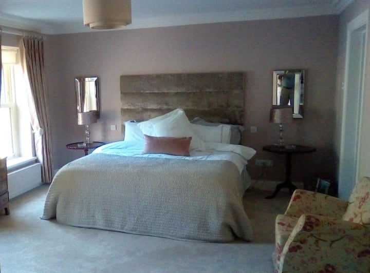 Luxury private room with ensuite-The Spa.Tralee.