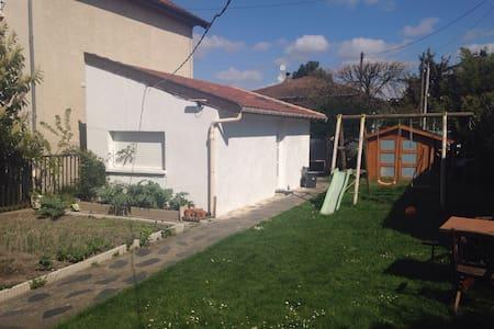 Maisonnette 20 m2 proche de Paris - Livry-Gargan