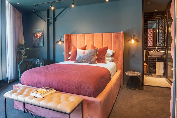 Cartel House Hotel - The Terrace Room