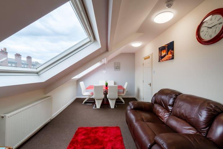3 Bedroom Sunderland City Top Floor Apartment