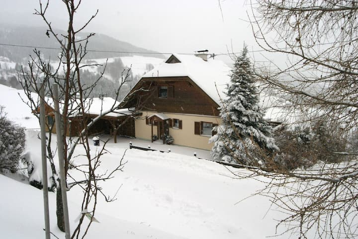 Cozy Holiday Home in Diex with Sauna