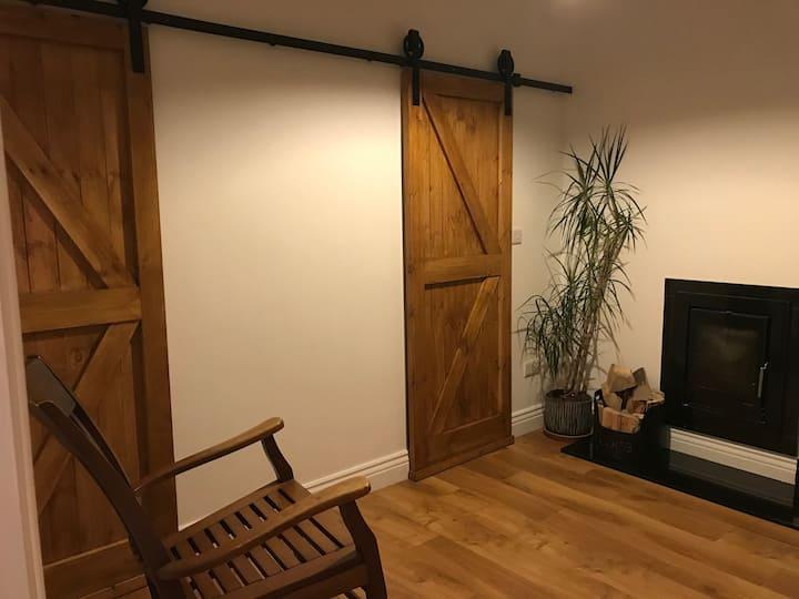 Cosy rustic studio with private en-suite