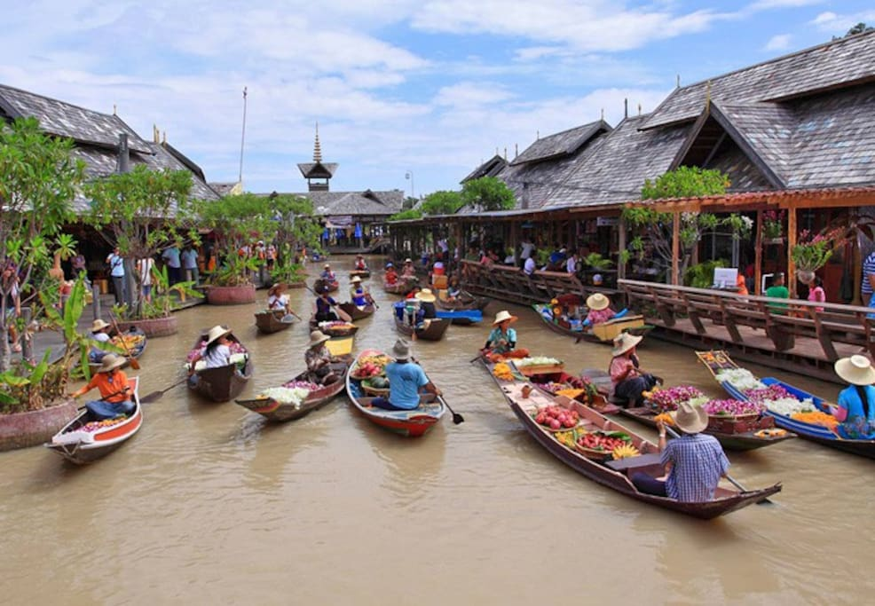 visit the floating market