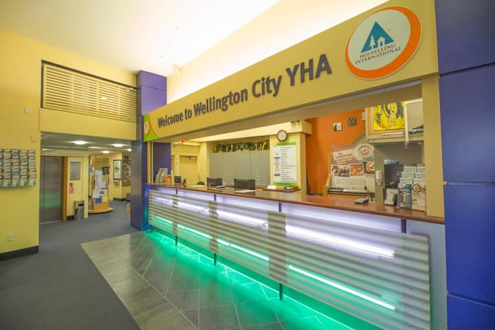Triple Ensuite - YHA Wellington