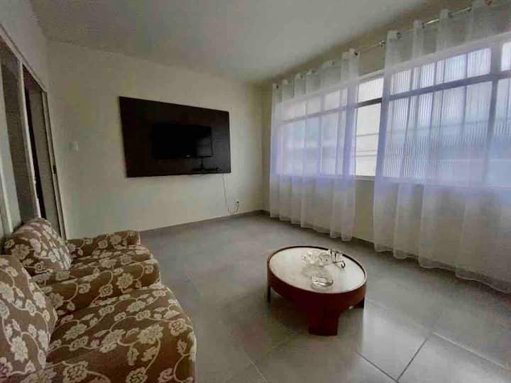 Espaçosa casa com 3 quartos no centro de Formiga!