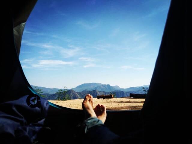 Kolukkumalai Camp & trek