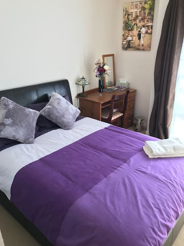 Old Aberdeen/Uni/Beach/Golf/Private Free Parking