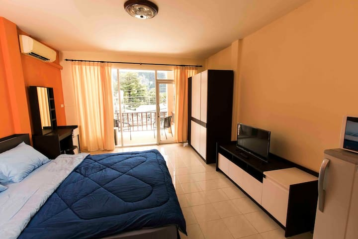 Funky room Ao Nang (cliff view) - Ao Nang - Apartmen