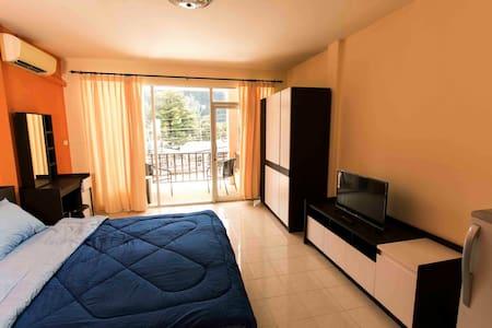 Funky room Ao Nang (cliff view) - Ao Nang - Appartamento
