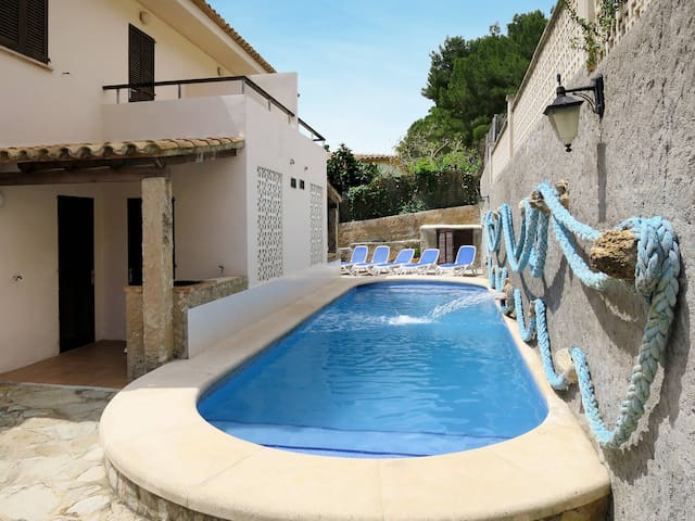 Holiday apartment with pool in Cala San Vicente